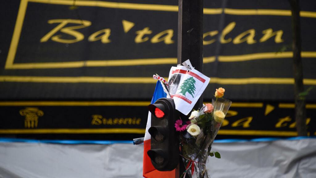 Les circonstances ont conduit à l'ouverture du procès pour agressions du 13 novembre à Paris la même semaine que le 20e anniversaire des attentats du 11 septembre 2001 aux États-Unis.