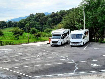 Stationnement public et nuitée dans les Asturies.