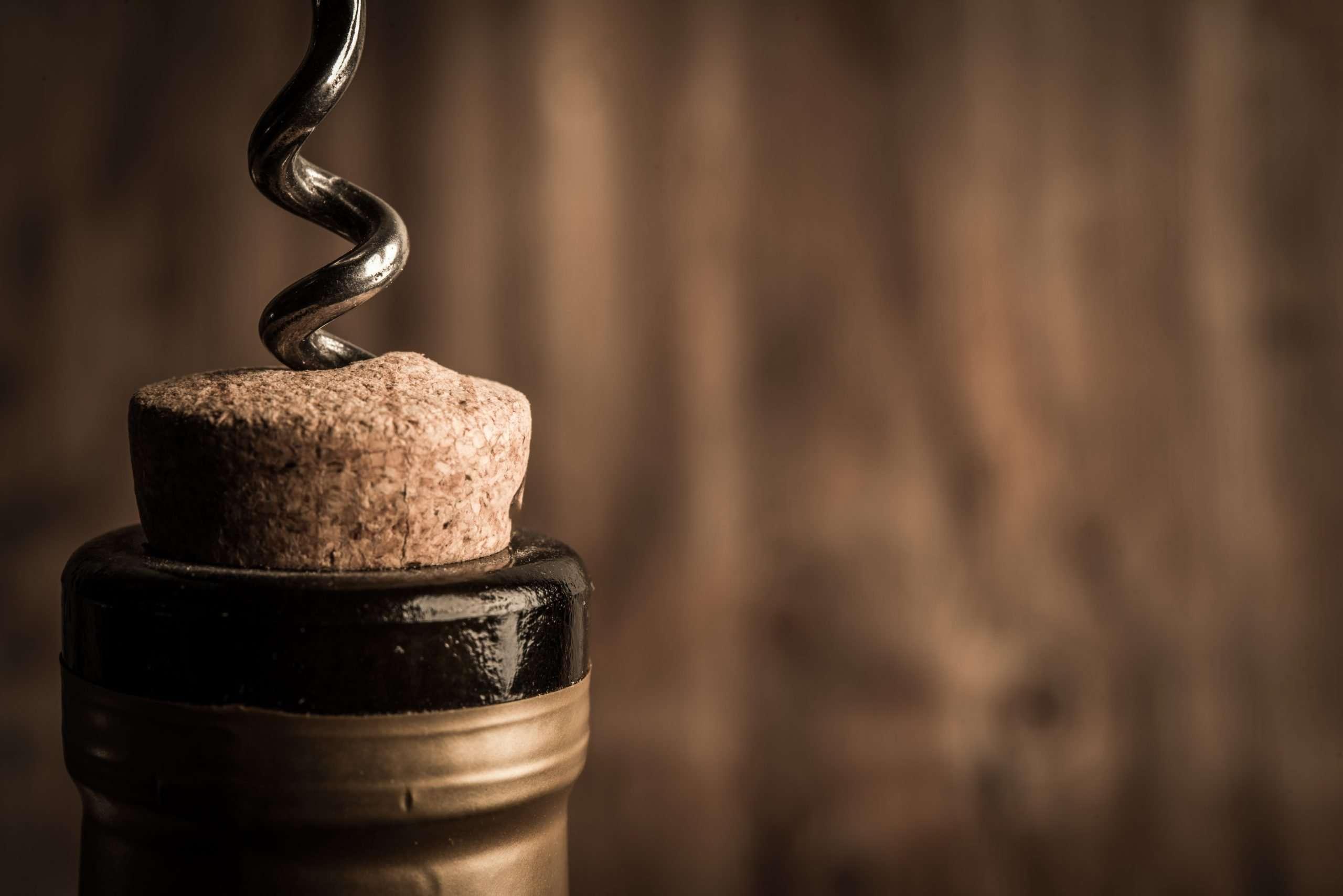 200 millions de litres de vin bientôt transformés en gel hydroalcoolique.